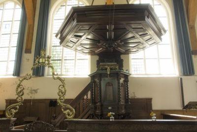 Kansel Broeker Kerk