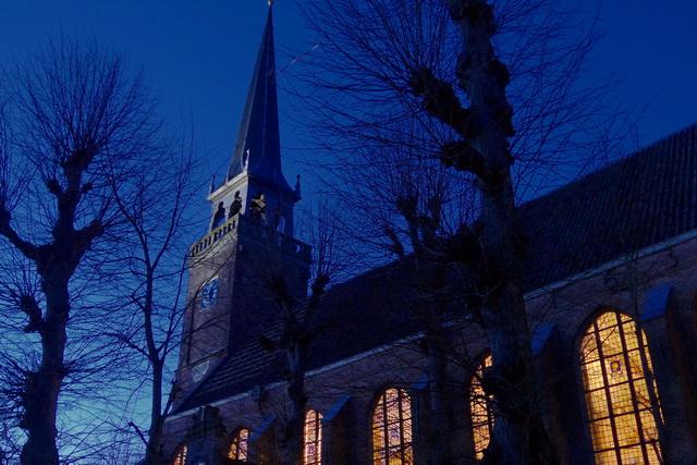 Broeker Kerk bij nacht